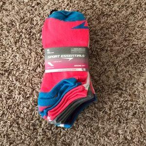Accessories - Women's Athletic Socks